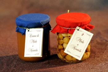 Nocciole e miele, crema di nocciole